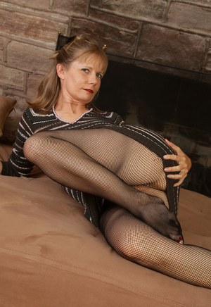Tube Mature Pantyhose 77