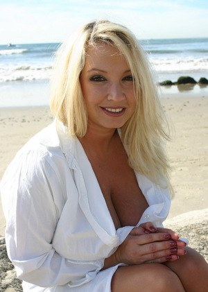 Thought naked mature women at the beach with you