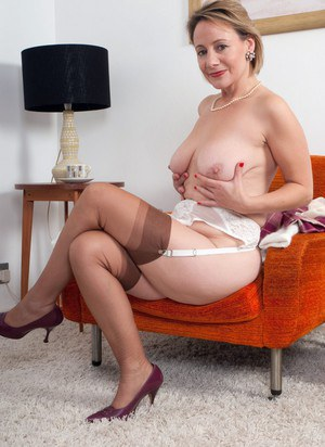 Natural naked mature women