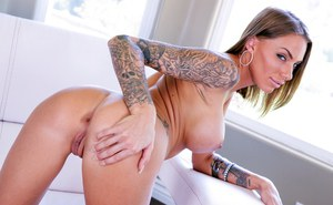 Tattooed Mature Pics