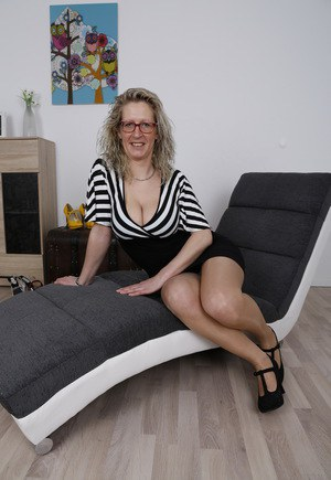 Mature Pantyhose Hot 57