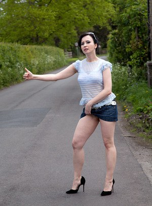 Outdoor Pics Matures 56