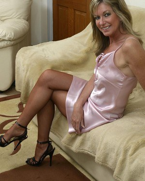 Useful mature ladies in nylons