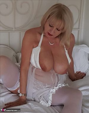 Mature In Stockings Pics