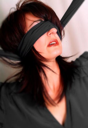 Blindfolded Mature Pics