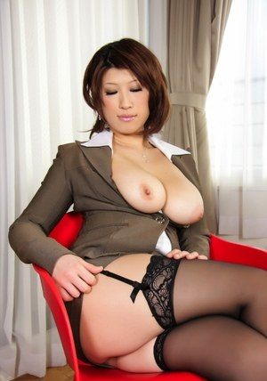 Naked short hair mature amature