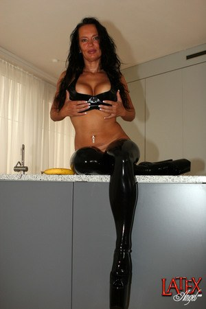 Latex Mature Pics
